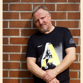 Axel Prahl = Assel PI, Frauen M